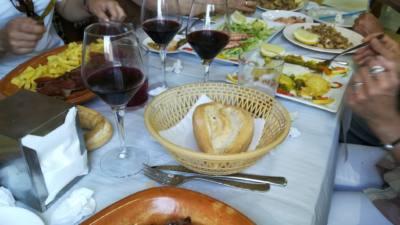 beneficio-de-comer-acompañado
